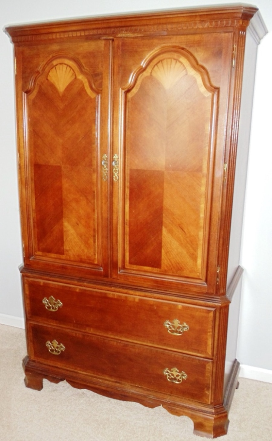 Used Traditional Plantation Style Bedroom Set In Rochester