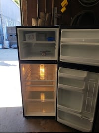GE Apartment Refrigerator     Pittston