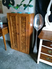 Wood bookcase cabinet Sioux Falls, 57106