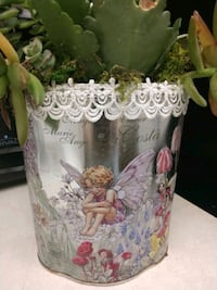 Fairy container with live seconds
