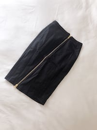 Dress skirt with gold zipper Size S  Vancouver, V6Z 1Y6