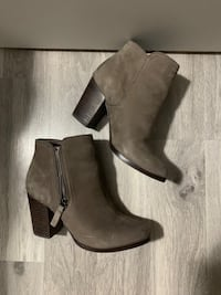 Size 7 boots  Toronto, M6S 2Z8