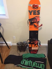 Yes! The Jackpot Snowboard 154 Victoria, V8R 3C6