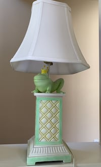 Princess frog lamp