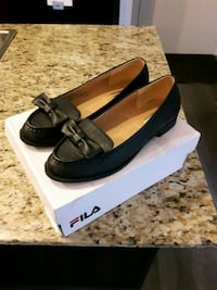Black Leather flat shoes - sz 5 or 6 Toronto, M1P 0A9