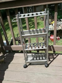 Used Metal cart with wheels or Bathroom caddy/organizer ...