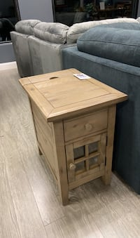 NEW End Table W/ Built In Outlet & USB ports Vancouver, 98682