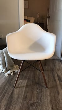 Eames  DSW Chair with Arms (set of 2) Springfield, 22150