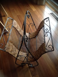 Magazine rack or towels in the bathroom, in rattan and distressed metal . Brossard, J4Y 2J7