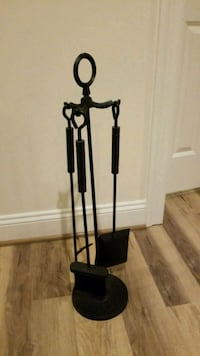 black and gray tripod stand Vienna, 22182