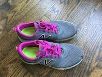 New Balance for woman size 8-$25 Toronto, M6R 1Z8