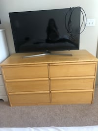 brown wooden 2-drawer chest Arlington, 22204