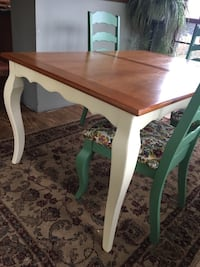 Dining table and 6 chairs  Monrovia, 21770