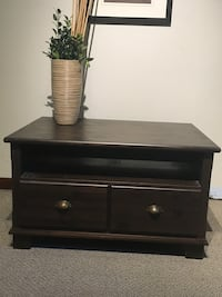 Coffee table or tv stand Pointe-Claire, H9R 3J3