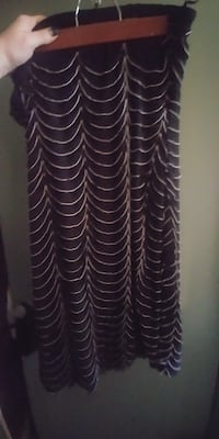 REDUCED*SIZE 2X Beautiful FOREVER 21 Black & White Skirt * IF AD'S UP, STILL AVAILABLE 508 km