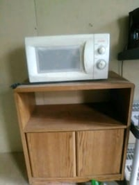 white and brown microwave oven 43 km