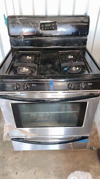 Brand new stainless steel stove Suitland-Silver Hill