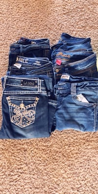 All 13 pairs of pants/jeans $30 Bakersfield, 93314