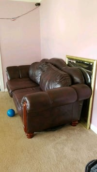 brown leather 3-seat recliner sofa 17 mi