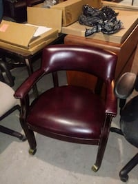brown leather tufted padded chair Baltimore, 21234