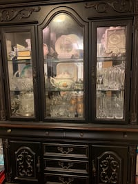 brown wooden china buffet hutch Chantilly, 20152