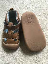 Leather Sandals size 2.5 crawler   Vancouver, V5S