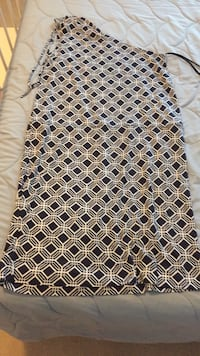 white and black floral textile Dumfries, 22025