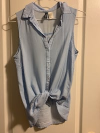 H&M classic blue collared top Size 2 Toronto, M6G