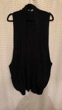 URBAN OUTFITTERS - Black Vest Cardigan Burnaby