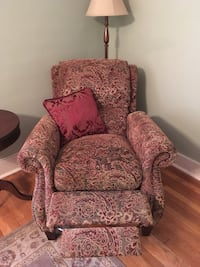 Beautiful nailhead recliner Mt Lebanon