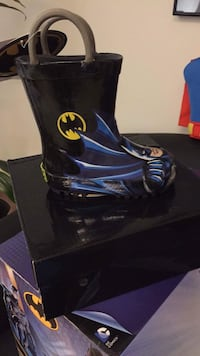Toddler's black-and-blue Batman rain boot with box