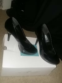 Black heels, size 7 but runs a little small  Fresno, 93727