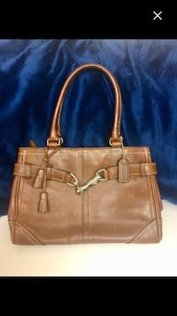 Authentic coach beautiful purse in very good condition  Pickering, L1V 4X1