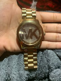 round gold Michael Kors analog watch with gold link bracelet Tyler, 75704