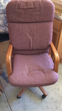 Burgundy padded rolling desk chair Lincoln, 95648