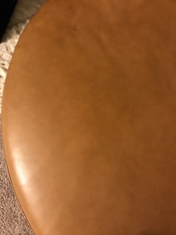 Sectional couch(Pure leather) 451245c9-8957-47b7-9992-66d6a987b3b3