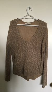 women's brown long-sleeved scoop-neck sweater Toronto, M2R 3N7