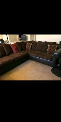 Leather brown couch Santa Ana