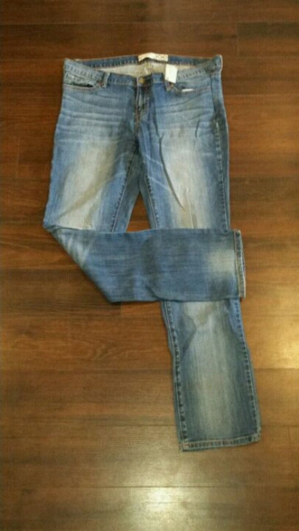 Woman's Joe Fresh Jeans