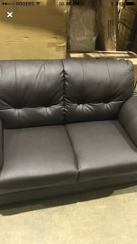 Couch love seat real leather  Hamilton, L8W 3A1
