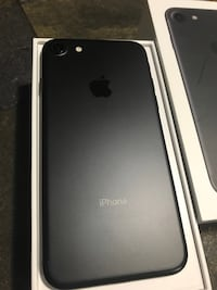 jet black iPhone 7 with box Toronto, M8V 1A6