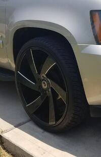 Black and gray car wheel Austin, 78759