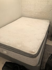 Full size mattress, box spring, and metal frame New York, 10009