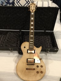 Electric AXL guitar antique tan and bronze style with skull tantrum hard case  Fort Myers, 33913