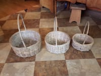 three round white wicker baskets Quinte West, K8V 5P4