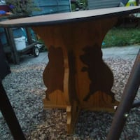 Pig table hand crafted beautiful. Kelowna, V1Y 4Y2