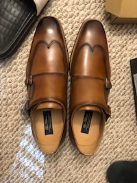 pair of brown leather dress shoes Vienna, 22182