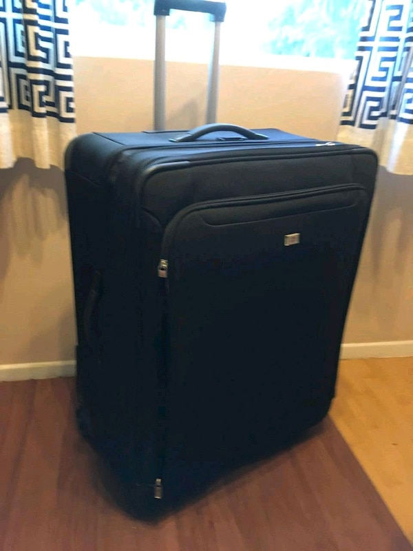 eb813ab05f15 Used Full size luggage victorinox for sale in Los Angeles - letgo