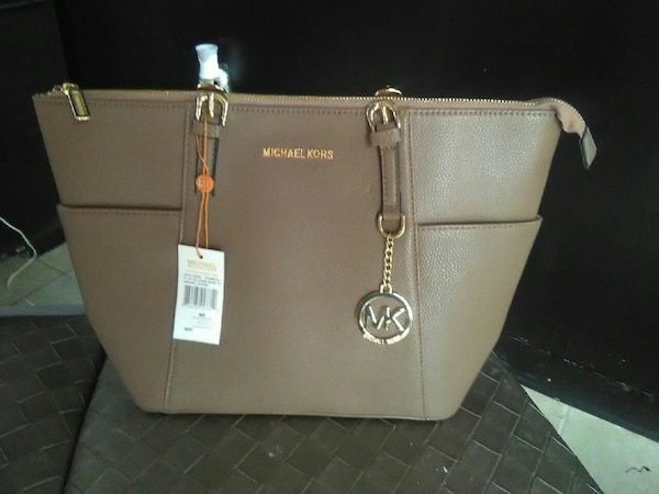 2b12e9609d08 Used Brand new authentic michael kors purse for sale in Hamilton - letgo