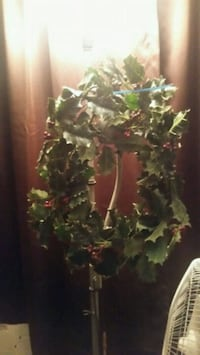 Xmas wreath Baldwin Park, 91706